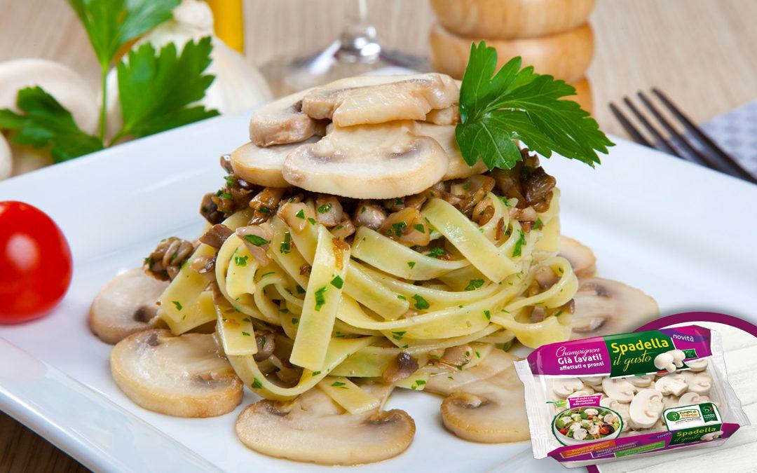 Fettuccine con funghi champignon