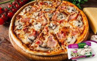Pizza con prosciutto e Champignon