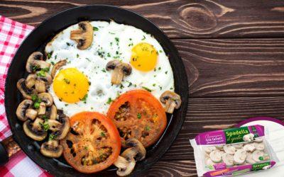 Uova al tegamino con Funghi Champignon Spadella il gusto